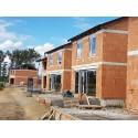 Osadenie zdvižno posuvných dverí s dĺžkou 6,5m a hliníkových okien
