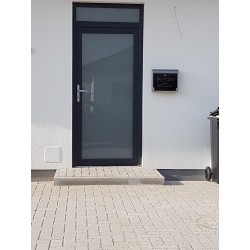 Celopresklenené hliníkové dvere MB 70